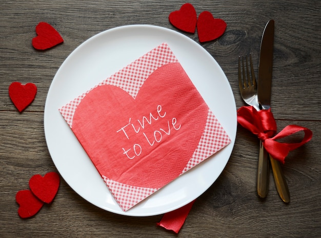 Walentynkowe ustawienie na lunch