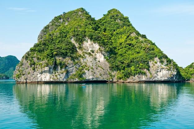 Wapień halong zatoki krajobraz