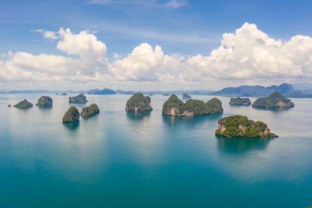 Wapień wyspa na dennym kra bi tajlandia widok z lotu ptaka