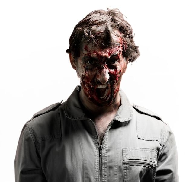 Warcząc zombier