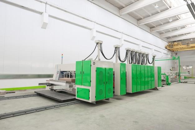 Warsztat fabryczny do produkcji tektury do pakowania