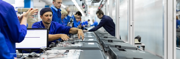 Warsztaty dotyczące montażu telewizorów