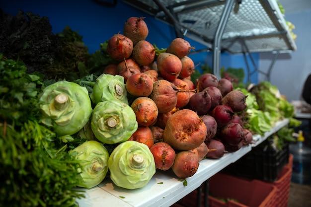 Warzywa ekologiczne na lokalnym rynku