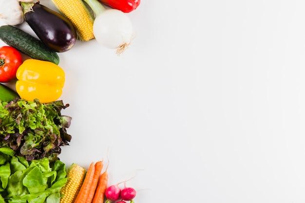 Warzywa i przestrzeń po prawej
