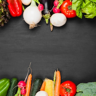 Warzywa i przestrzeń w środku