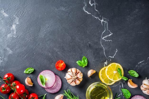Warzywa i zioła do gotowania, widok z góry