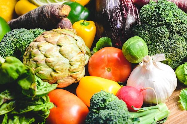 Warzywa, najlepsza zdrowa żywność, rzodkiewki, cebula, czosnek, papryka, kapusta, brokuły.