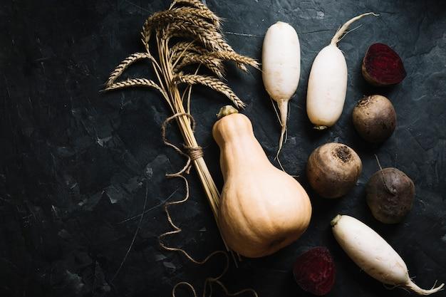 Warzywa z pełnowartościową świeżą dynią piżmową