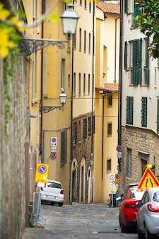 Wąskie uliczki w mieście florence.tuscany, włochy