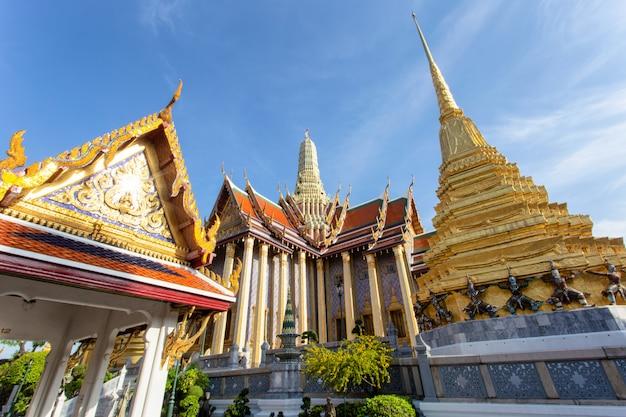 Wat phra kaew antyczna świątynia w bangkok tajlandia