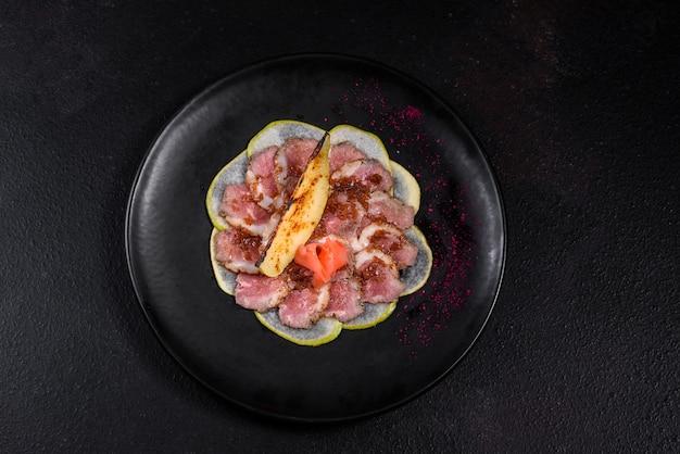 Wątroba z karmelizowaną gruszką