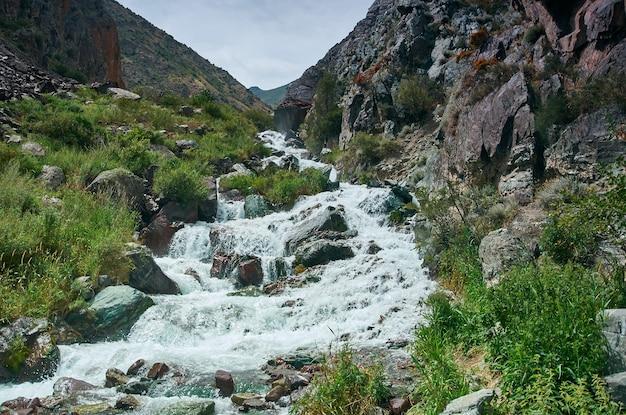 Wąwóz kara balta, trasa z biszkeku do osz. kirgistan,