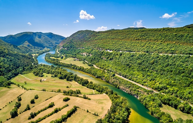 Wąwóz rzeki ain we francji