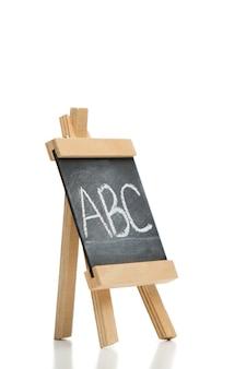 Wędkujący chalkboard z listami abc pisać na nim