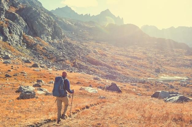 Wędruj po jesiennych górach