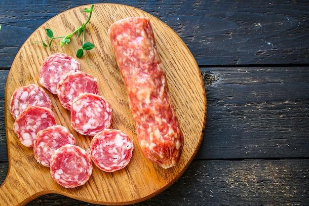 Wędzona kiełbasa produkt mięsny fuet
