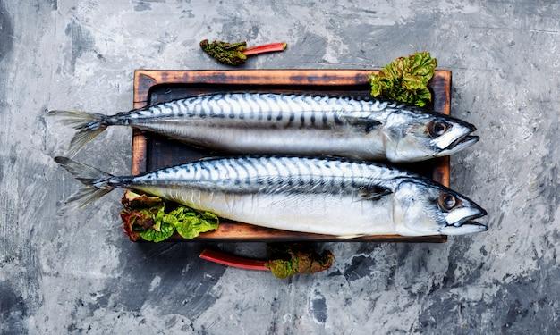Wędzona ryba z ziołami