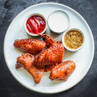Wędzone skrzydełka z kurczaka drób mięso