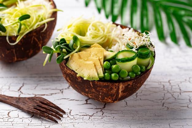 Wegańska miska buddy z warzywami