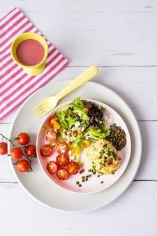 Wegański lunch dla dzieci, risotto dyniowe z soczewicą