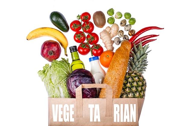 Wegetariańska torba ze zdrową żywnością
