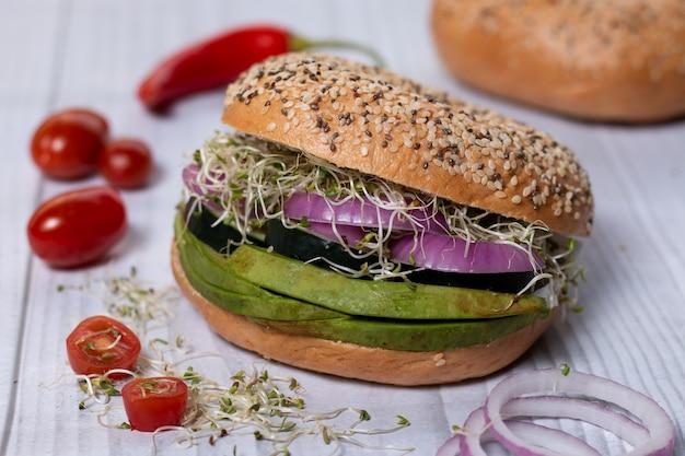 Wegetariański hamburger wegański