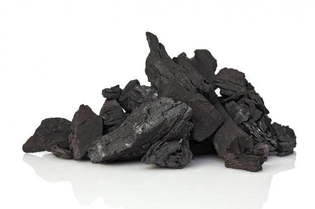 Węgiel na białym tle