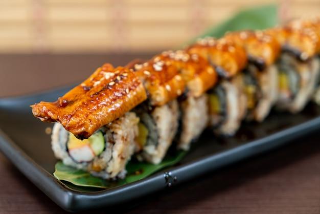 Węgorz sushi roll - japońskie jedzenie