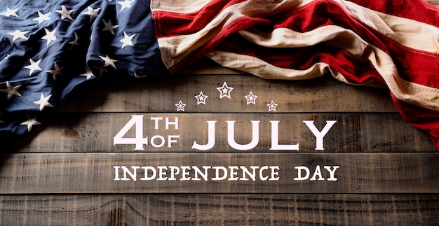Wesołego dnia niepodległości. amerykańskie flagi