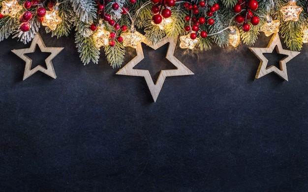 Wesołych świąt bożego narodzenia i nowego roku w tle świąt