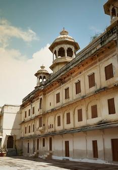 Wewnątrz city palace w udaipur
