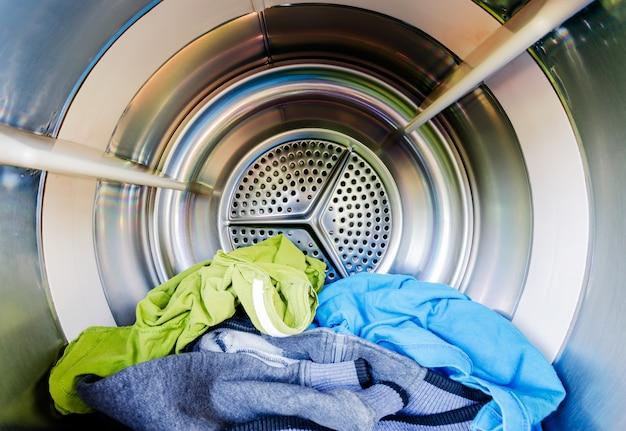 Wewnątrz pralki