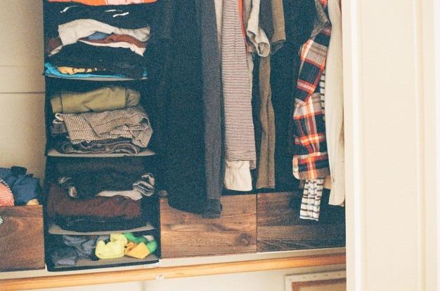 Wewnątrz szafy