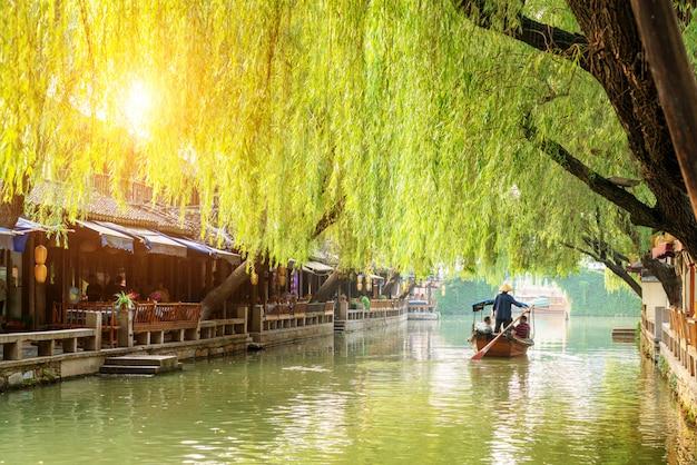 Wgląd nocy starożytnego miasta suzhou