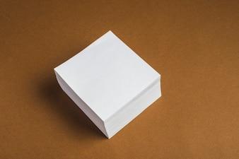 Wiązka biała kleista notatka