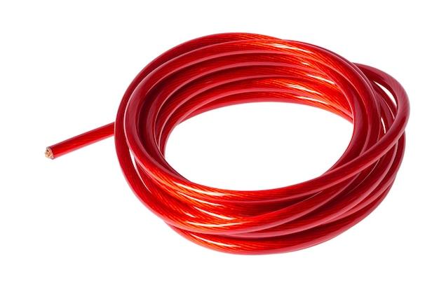 Wiązka kabla zasilającego na białym tle