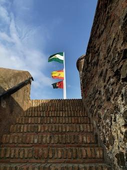 Widok 3 flag w andaluzji hiszpania malaga