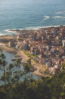 Widok guarda z góry castro de santa trega w galicji, hiszpania.