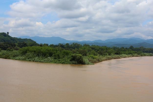 Widok krajobrazu rzeki mekong