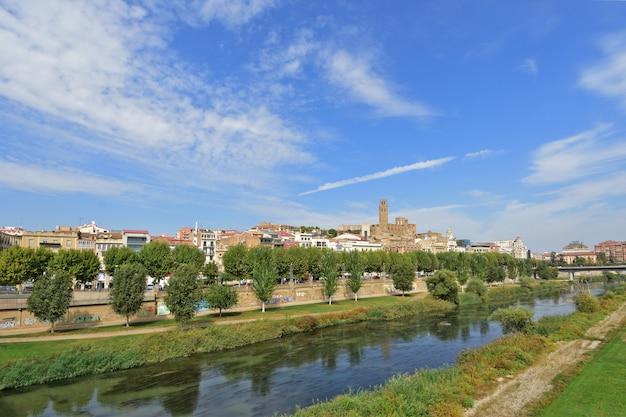 Widok lleida, katalonia, hiszpania