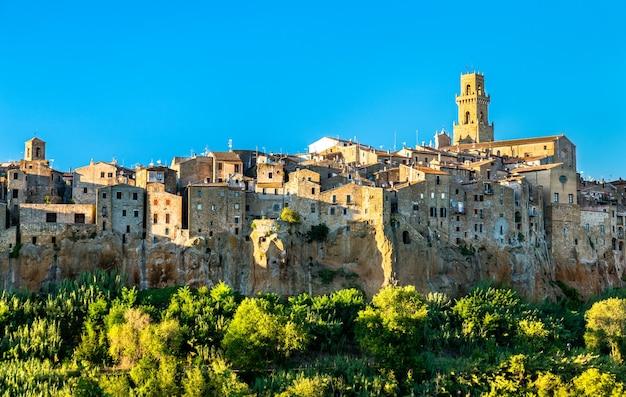 Widok miasta pitigliano w toskanii we włoszech