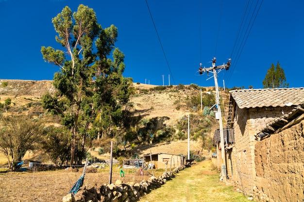 Widok na antacocha, typową peruwiańską wioskę w andach