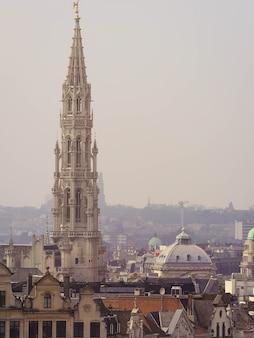 Widok na brukselę na starym mieście w belgii