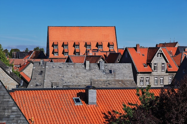 Widok na dachach miasta goslar, niemcy
