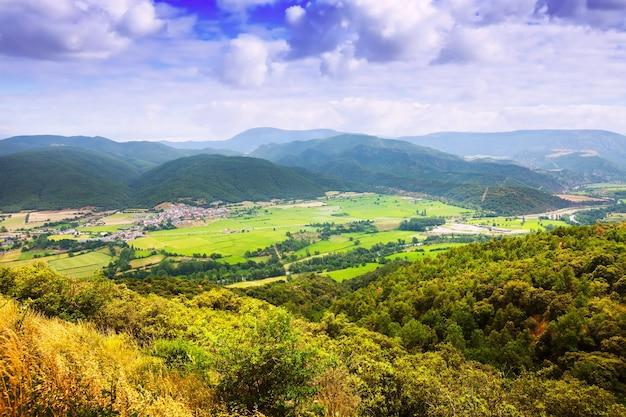 Widok na dolinę katalońskich gór