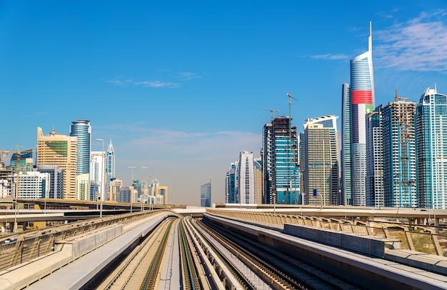 Widok na dzielnice dubai marina i jumeirah, zjednoczone emiraty arabskie