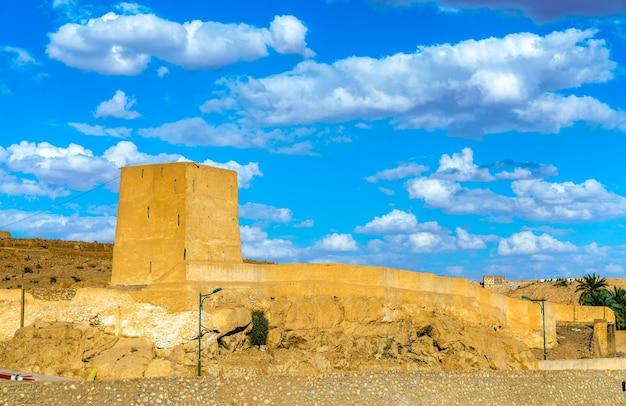 Widok na ghardaia, miasto w dolinie mzab.