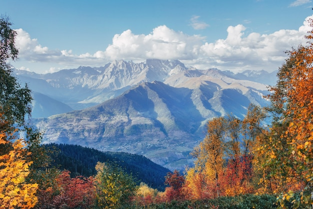 Widok na góry z góry ushba mheyer