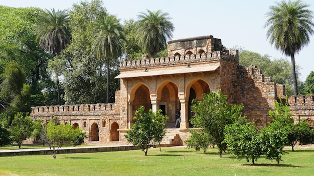 Widok na grobowiec humajuna humajuna humajuna w delhi, indie.