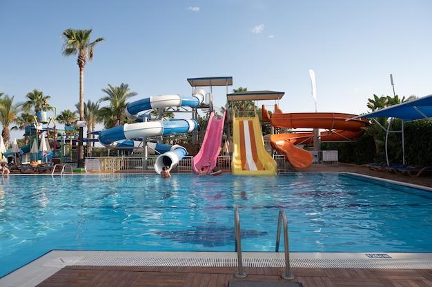 Widok na hotel verginia sharm resort and aqua park 4 gwiazdki w sharm el sheikh, egipt w lutym.wysokiej jakości zdjęcie